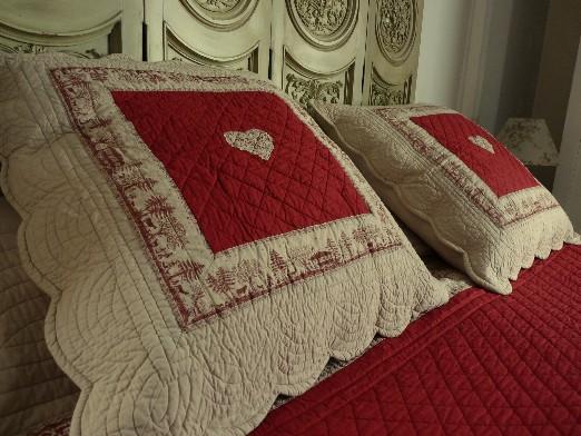 Boutis couleur beige et rouge romantique 180 250cm - Boutis pour canape ...