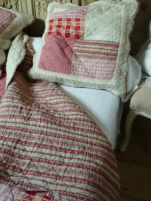 boutis rouge patchwork lin