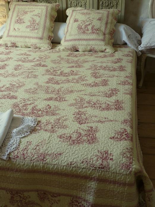 couvre lit boutis toile de jouy rose 250/270 cm (pour lit 160 cm)