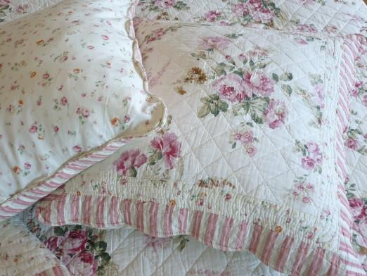 couvre lit boutis fleur boutis fleur de roses modèle Alice 250/270 cm (pour lit 160 cm) couvre lit boutis fleur