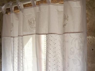 rideaux longs en broderie anglaise blancs. Black Bedroom Furniture Sets. Home Design Ideas