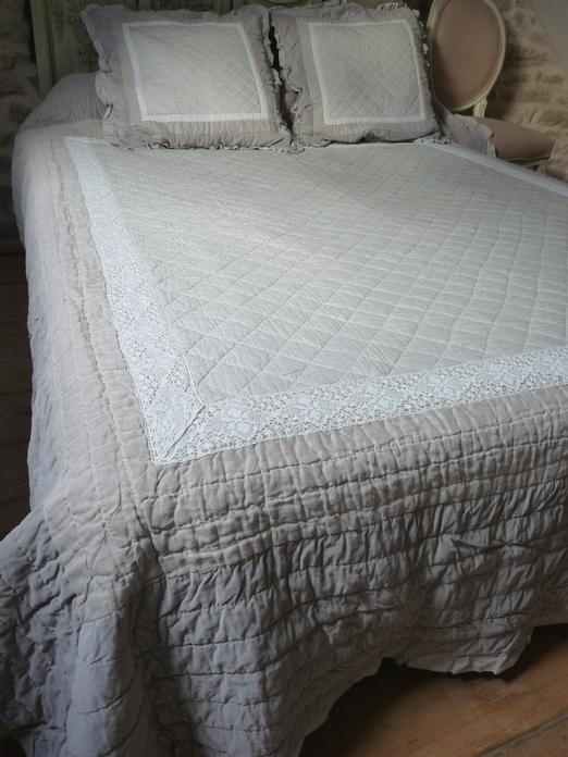Couvre lit boutis gris beige lut ce dentelle taille 235 260 cm - Boutis beige et taupe ...