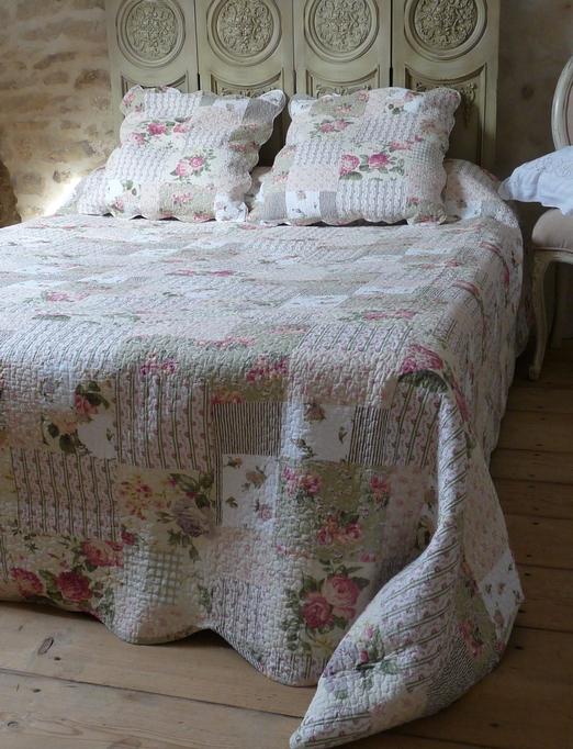 couvre lit en anglais boutis vert pour lit une personne patchwork fleuri aux couleurs du  couvre lit en anglais