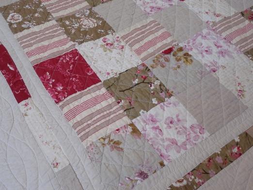 couvre lit patchwork rouge plaid boutis rouge   modèle patchwork rouge lin dimension  couvre lit patchwork rouge