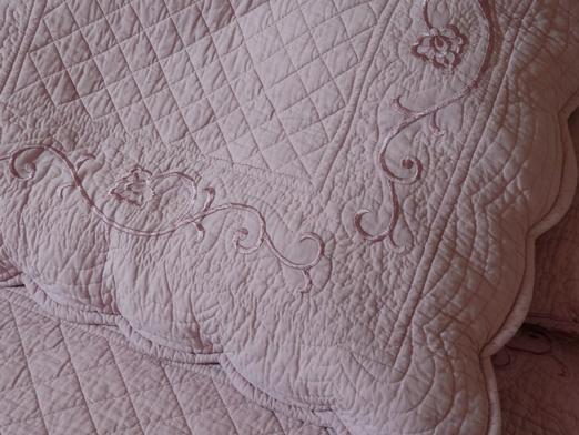 couvre lit couleur parme Couvre lit boutis LILAS parme, taille 270/280 cm (pour lit 160 et  couvre lit couleur parme