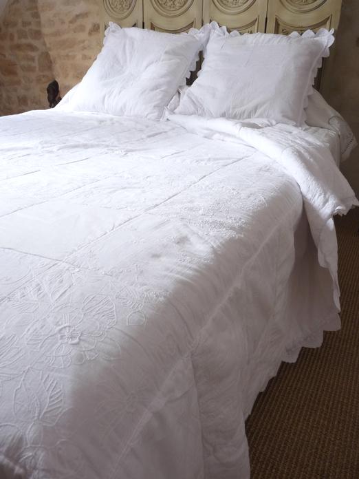 boutis couvre lit romantique dessus de lit Blanc Bohème 260/260 cm boutis couvre lit romantique