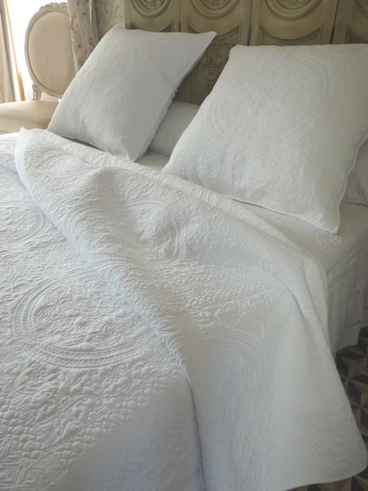 dessus de lit boutis Blanc Provençal 270/280 cm